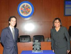 His Excellency Jaime Bermudez Merizalde and The Honourable Paula Gopee-Scoon